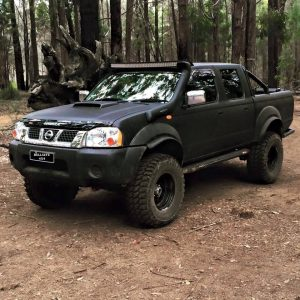 "Nissan Navara D22 windscreen mount 50"" lightbar"